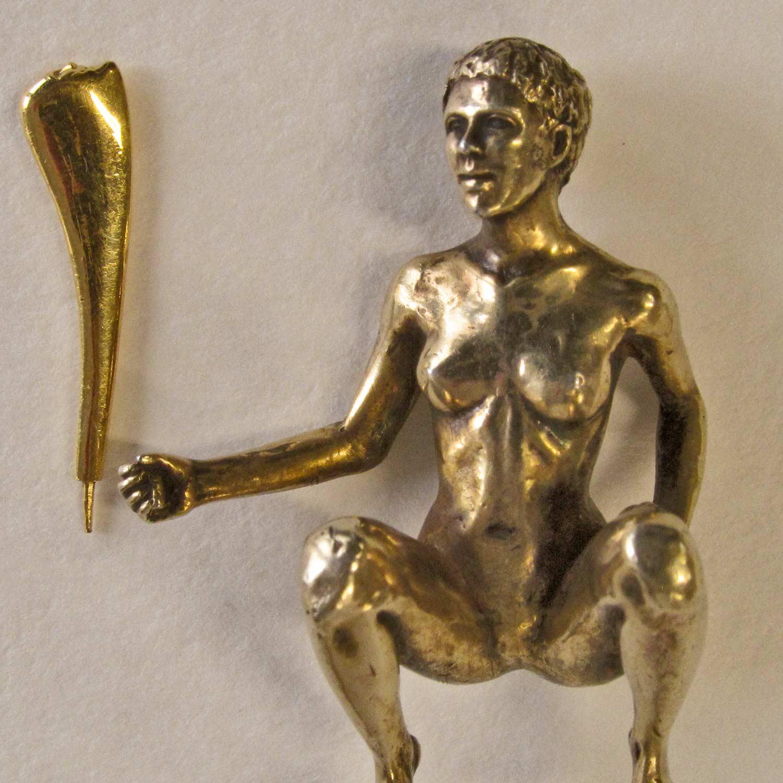 Dealer sculpture detail